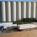 N Scale- Lp Dealer and Grain Elevator