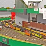 pw-gateway-yard-12-8-2012-switch-engine-in-yard-cnw-turn-atsf-turn-in-back-coal-cars